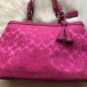 Pink Coach purse, super cute👛